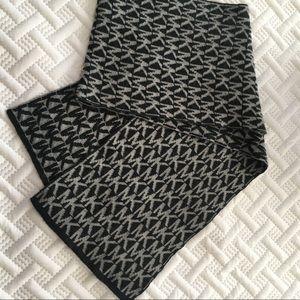 EUC Michael Kors scarf